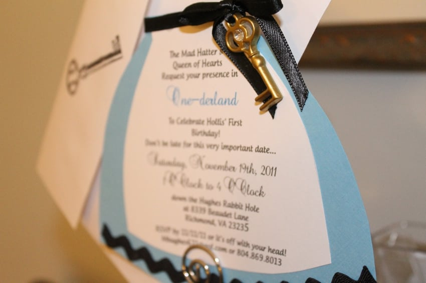 Alice In Wonderland Invitation Ideas